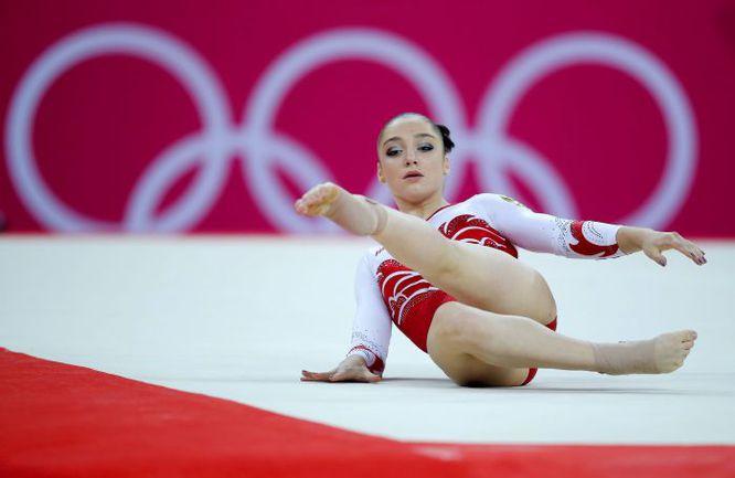 Вчера. Лондон. Четвертой наградой Алии МУСТАФИНОЙ на Играх-2012 стала бронзовая медаль в вольных упражнениях. Фото Reuters