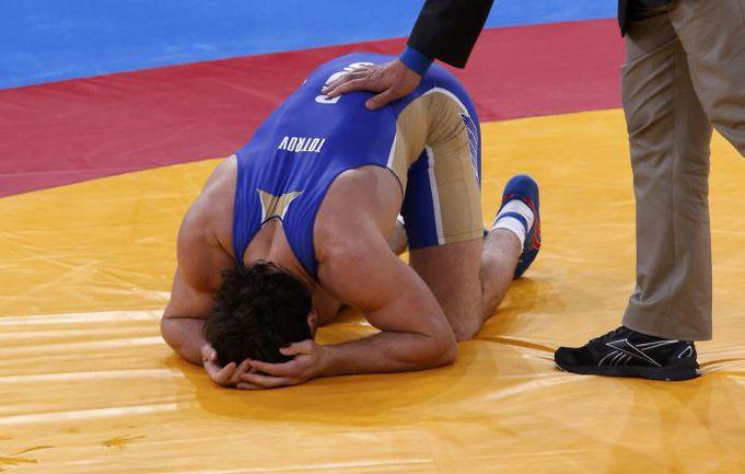 Вчера. Лондон. Только что Рустам ТОТРОВ проиграл в финальной схватке. Фото REUTERS