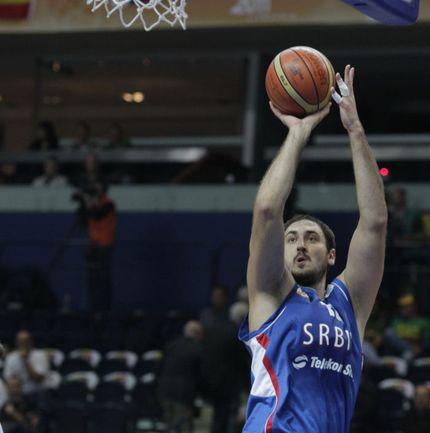 Центровой сборной Сербии Ненад КРСТИЧ. Фото REUTERS