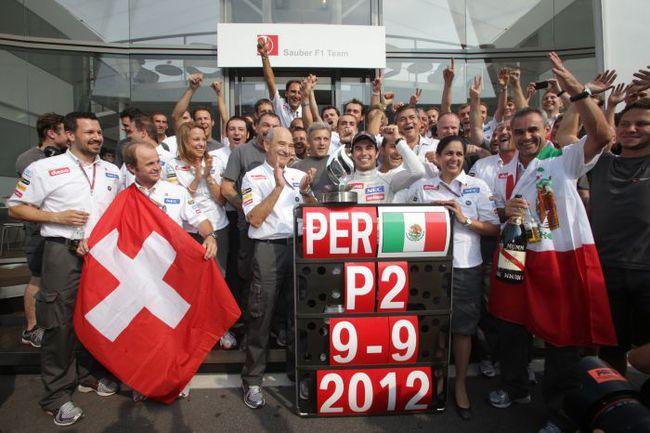 """Для команды """"Заубер"""" второе место Переса на трассе в Монце стало уже третьим подиумом в сезоне. Фото - Sauber. Фото """"СЭ"""""""