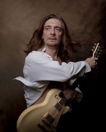 "Гитарист Дмитрий ЧЕТВЕРГОВ. Фото ""СЭ"""