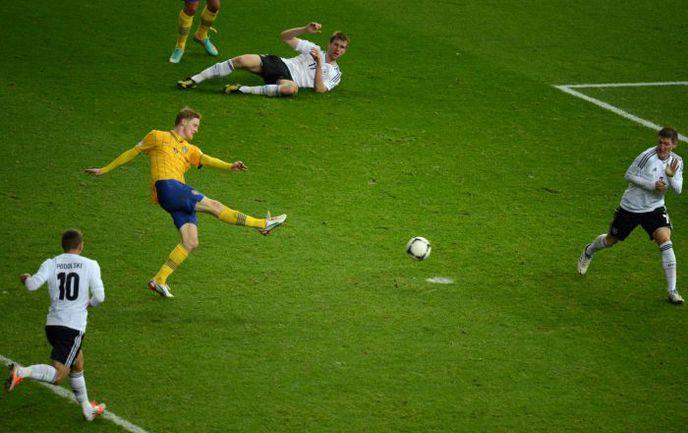Вторник. Берлин. Германия - Швеция - 4:4. 90+3-я минута. Расмус ЭЛЬМ сравнивает счет. Фото AFP