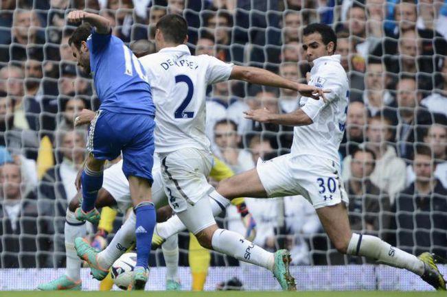 """Суббота. Лондон. """"Тоттенхэм"""" - """"Челси"""" - 2:4. 69-я минута. Хуан МАТА (№10) забивает победный гол. Фото AFP"""