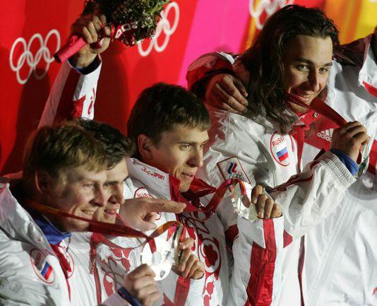 """Увидим ли мы еще когда-нибудь Александра ЗУБКОВА (слева) и Алексея ВОЕВОДУ в составе одного экипажа? Фото Александра ВИЛЬФА. Фото """"СЭ"""""""