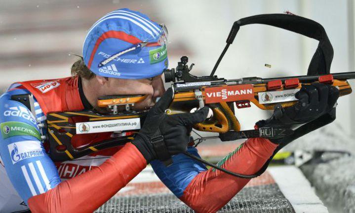 Вчера. Эстерсунд. Антон ШИПУЛИН на огневом рубеже. Фото Reuters
