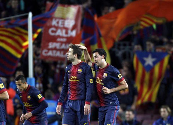 """Вчера. Барселона. """"Барселона"""" - """"Атлетико"""" - 4:1. Одержав очередную убедительную победу, каталонцы сделали еще один шаг к чемпионству. Фото REUTERS"""
