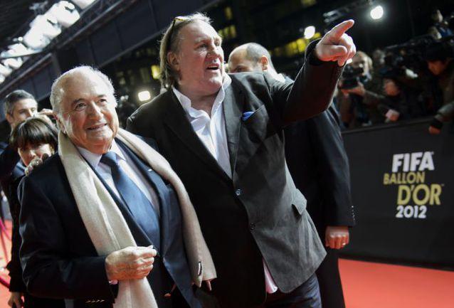 Йозеф БЛАТТЕР и Жерар ДЕПАРДЬЕ. Фото AFP