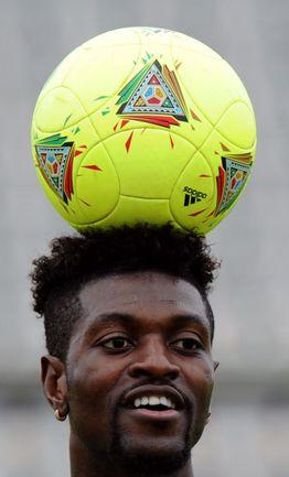 Эмманюэль АДЕБАЙОР: за сборную Того выступает с 2000 года, провел 42 матча, забил 23 гола. Фото AFP