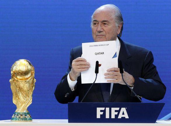 2 декабря 2010 года. Цюрих. Президент ФИФА Йозеф БЛАТТЕР объявляет Катар страной-хозякой ЧМ-2022. Фото REUTERS
