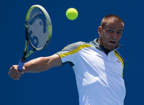 У россиянина Михаила ЮЖНОГО есть отличный шанс скрестить ракетки на турнире в Роттердаме с одним из самых титулованных теннисистов современности Роджером Федерером. Фото AFP