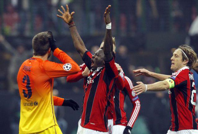 "Среда. Милан. ""Милан"" - ""Барселона"" - 2:0. 81-я минута. Салли МУНТАРИ празднует свой гол. Фото REUTERS"