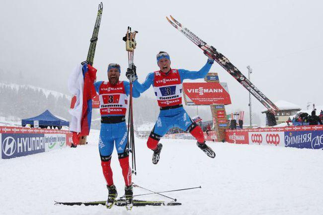 Вчера. Валь-ди-Фьемме. Как вы думаете, кто больше рад этой победе - Никита КРЮКОВ (справа) или Алексей ПЕТУХОВ? Фото AFP