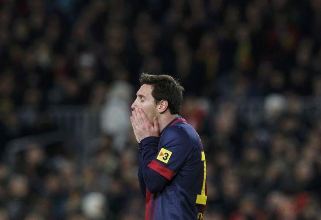 """Вторник. Барселона. """"Барселона"""" - """"Реал"""" - 1:3. Лионель МЕССИ на этот раз вчистую уступил в дуэли с Криштиану Роналду. Фото REUTERS"""