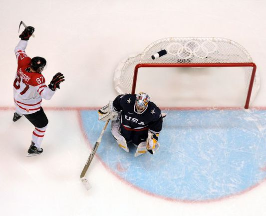 Олимпийский Сочи должен увидеть не только российских звезд, но и героев Игр-2010 в Ванкувере - Сидни КРОСБИ и Райана МИЛЛЕРА. Фото AFP