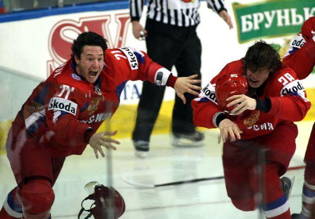 18 мая 2008 года. Квебек-Сити. Россия - Канада - 5:4 ОТ. Только что Илья КОВАЛЬЧУК забросил, пожалуй, самую важную на данный момент шайбу в своей карьере. Фото AFP
