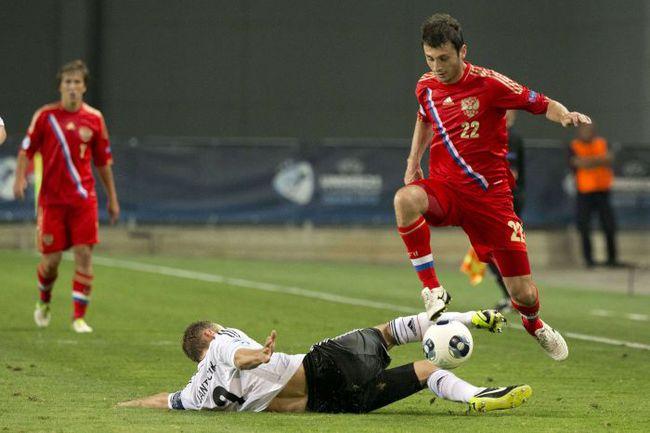 Алан ДЗАГОЕВ на Euro-2013: один в поле не воин. Фото AFP