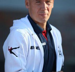 Очередная неудача - и Владимир КАЗАКОВ решил попросить об отставке. Фото - shinnik.com.
