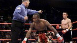 3 ноября 2001 года. Лас-Вегас. Заб ДЖУДА пытается прийти в себя после удара Кости ЦЗЮ.
