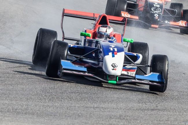 Машина Егора ОРУДЖЕВА на трассе. Фото SMP Racing