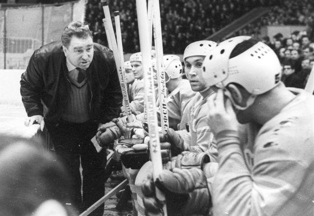 фото тренер хоккей тарасов