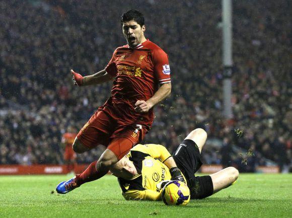 Футбол. ливерпуль астон вилла 22. 03. 2009