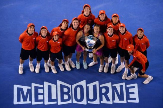 Сегодня. Мельбурн. Сара ЭРРАНИ и Роберта ВИНЧИ - победительницы Australian Open в парном разряде. Фото AFP