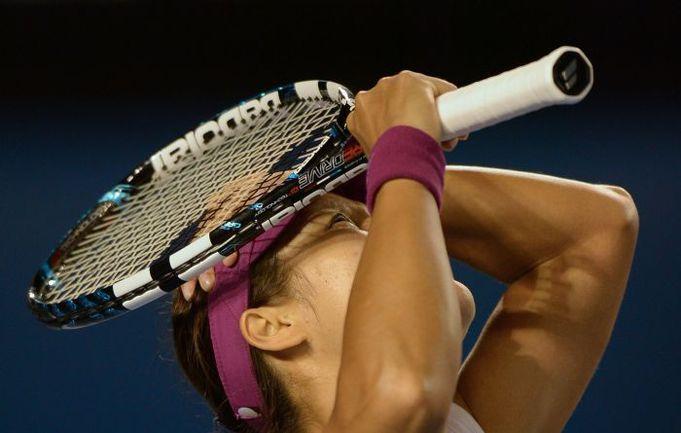 Сегодня. Мельбурн. Китаянка ЛИ НА обыграла словацкую теннисистку Доминику Цибулкову – 7:6 (7:3), 6:0. Фото AFP