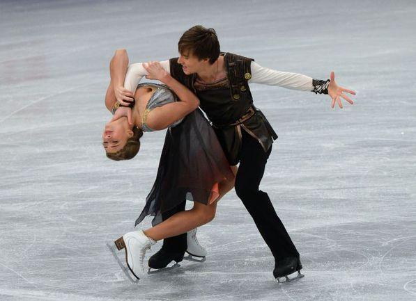 16 января. Будапешт. Виктория СИНИЦЫНА и Руслан ЖИГАНШИН представляют произвольный танец. Фото AFP