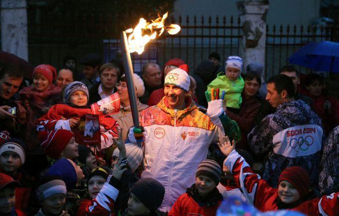 """До Сочи спецкор """"СЭ"""" Александр Кружков доехать еще не успел, но Олимпиада в его семье уже началась... Фото AFP"""