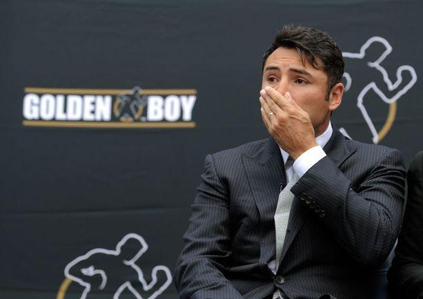 14 апреля 2009 года. Лос-Анджелес. Эмоции Оскара ДЕ ЛА ХОЙИ после объявления об уходе из бокса. Фото REUTERS
