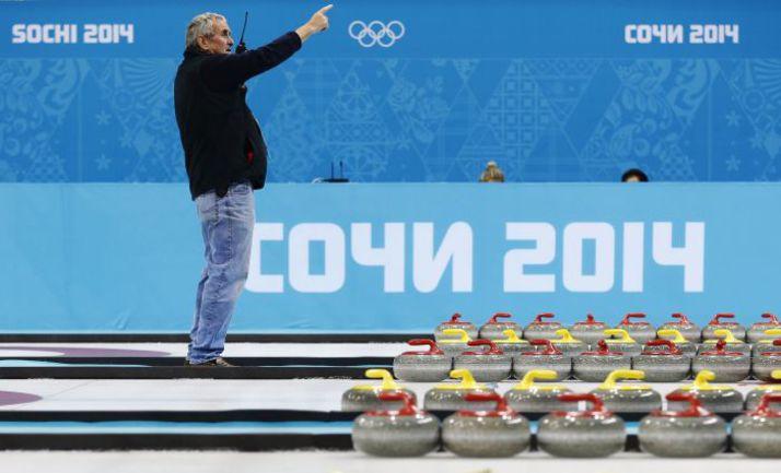 """Сочи. Во дворце """"Ледяной куб"""" все готово к старту олимпийского турнира. Фото REUTERS"""