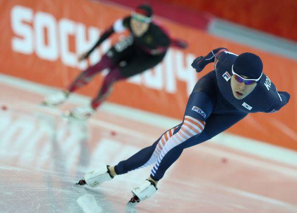 Сегодня в олимпийском катке разыграют медали на мужской 500-метровке. Фото Артем КОРОТАЕВ, ТАСС
