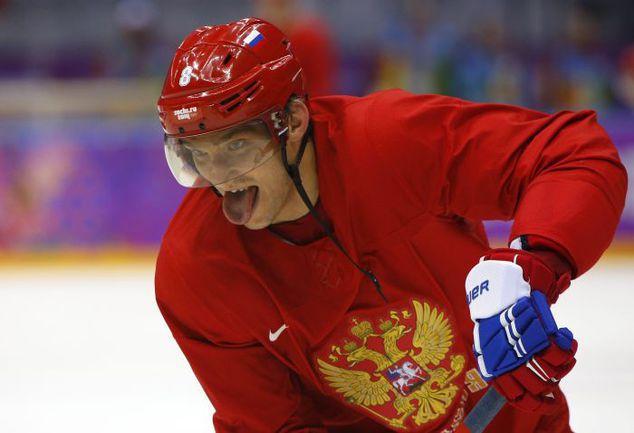 Один из лидеров сборной России Александр ОВЕЧКИН. Фото REUTERS