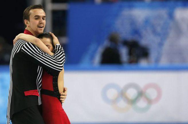Вчера. Сочи. Ксения СТОЛБОВА и Федор КЛИМОВ - серебряные призеры Олимпиады. Фото REUTERS