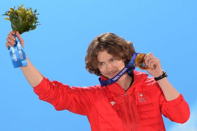 Юрий ПОДЛАДЧИКОВ - олимпийский чемпион в хаф-пайпе. Фото AFP