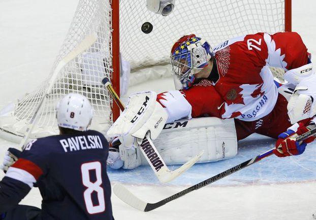 Суббота. Сочи. США - Россия - 3:2 Б. Гол Джо ПАВЕЛСКИ. Фото AFP