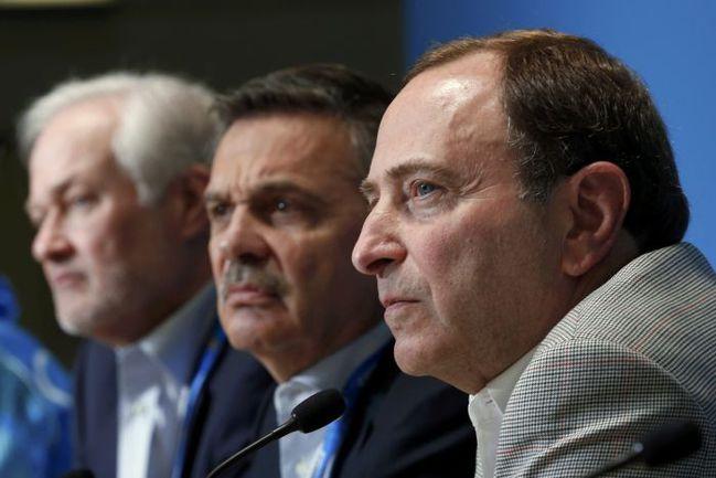 Сегодня. Сочи. Гэри БЭТТМЕН, Рене ФАЗЕЛЬ и Дональд ФЕР (справа налево). Фото REUTERS