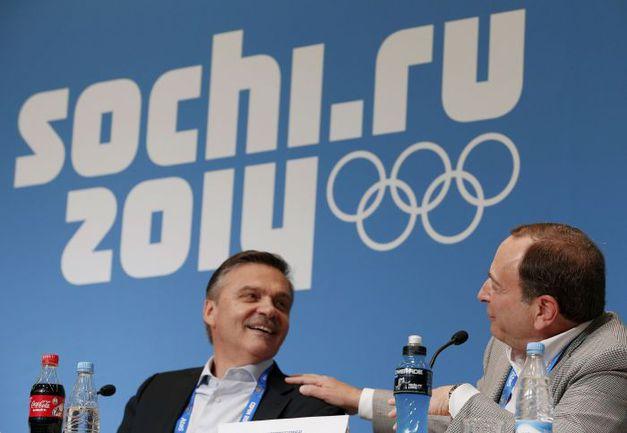Сегодня. Сочи. Гэри БЭТТМЕН (справа) и Рене ФАЗЕЛЬ. Фото REUTERS
