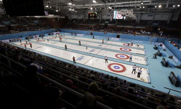 """Сочи. Так сегодня выглядит """"Ледяной куб"""", в котором разыгрываются олимпийские медали в керлинге. Фото AFP"""