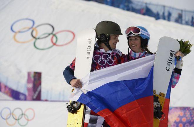 Вчера. Красная Поляна. Виктор УАЙЛД и Алена ЗАВАРЗИНА. Фото AFP