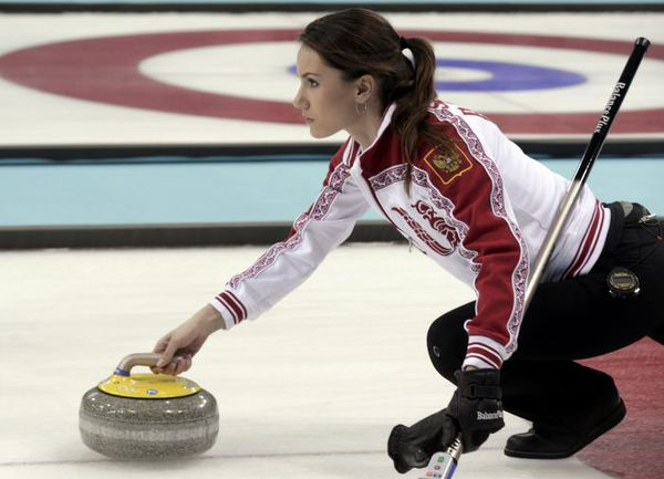 Женская сборная России во главе со скипом Анной СИДОРОВОЙ заняла на домашней Олимпиаде девятое место. Фото REUTERS