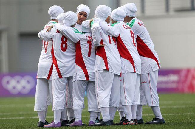 Отныне ношение хиджабов женщинами и тюрбанов мужчинами во время футбольных матчей узаконено ФИФА. Фото Al Jazeera