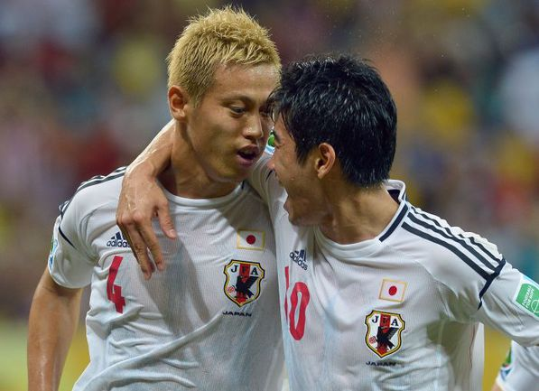 Лидеры сборной Японии: Кейсуке ХОНДА и Синдзи КАГАВА. Фото REUTERS
