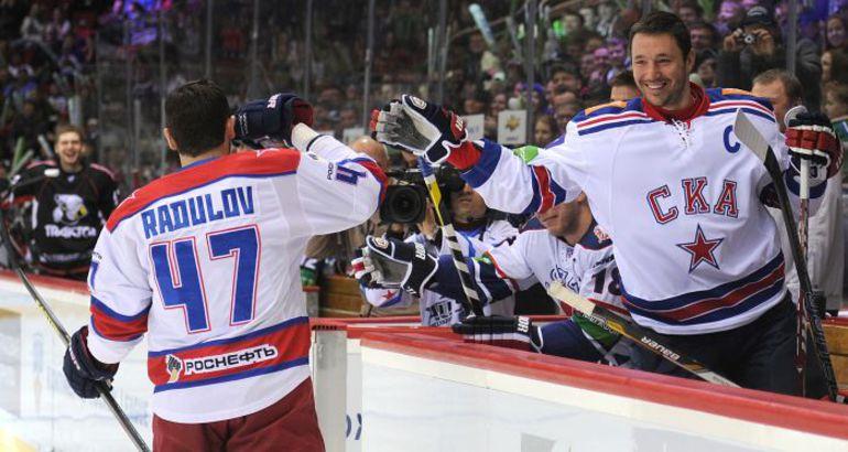Встретятся ли Александр РАДУЛОВ (№ 47) и Илья КОВАЛЬЧУК на льду этой весной? Фото photo.khl.ru
