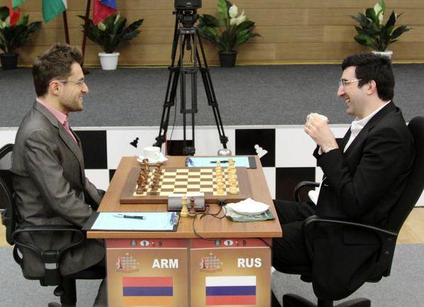 Сегодня. Ханты-Мансийск. Левон АРОНЯН (слева) и Владимир КРАМНИК.