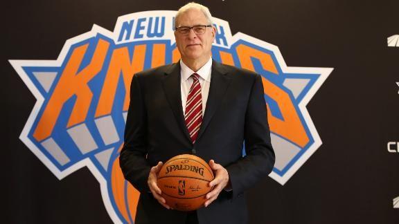 Фил ДЖЕКСОН, становившийся чемпионом НБА в качестве как игрока, так и тренера, попробует себя в новой ипостаси - баскетбольного функционера. Фото nba.com/knicks