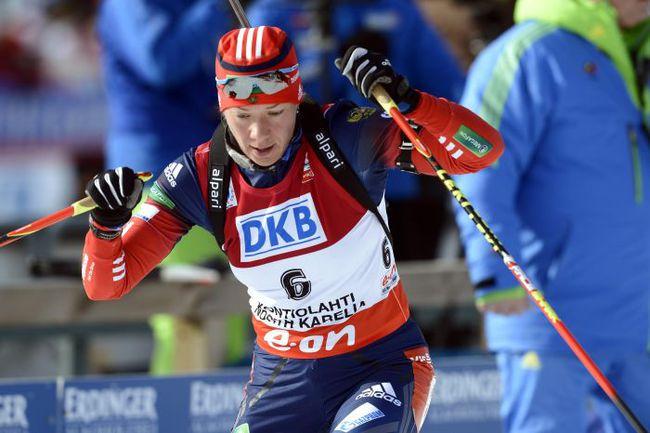 Ольга ЗАЙЦЕВА во время гонки преследования на этапе Кубка мира в Контиолахти. Фото REUTERS