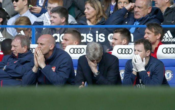 """Суббота. Лондон. """"Челси"""" - """"Арсенал"""" - 6:0. Арсен ВЕНГЕР явно ожидал не такого юбилейного матча. Фото REUTERS"""