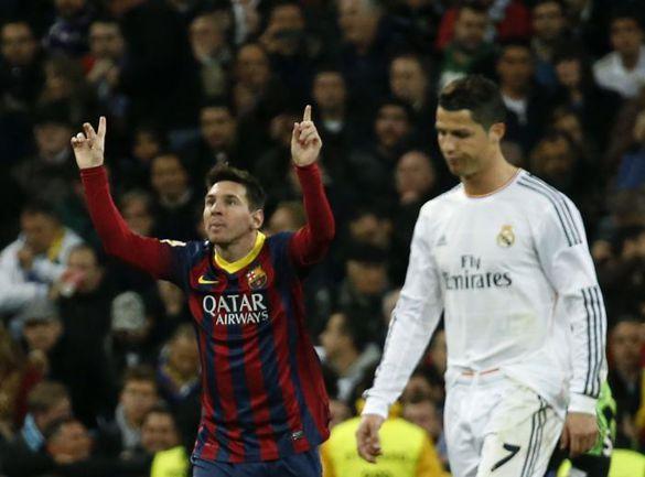 """Вчера. Мадрид. """"Реал"""" - """"Барслеона"""" - 3:4. Лионель МЕССИ и КРИШТИАНУ РОНАЛДУ после хет-трика аргентинца на 84-й минуте. Фото REUTERS"""