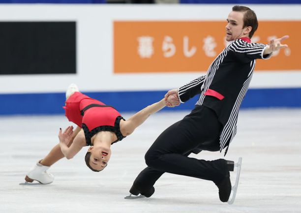 Четверг. Саитама. Ксения СТОЛБОВА и Федор КЛИМОВ. Фото AFP